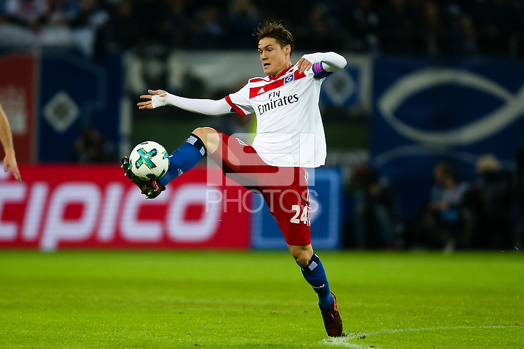 Football: Germany, 1. Bundesliga, Hamburger SV (HSV) vs FC Bayern Muenchen (FCB), Hamburg, 21.10.2017,<br /> Sakai, Gotoku (24, Hamburger SV, HSV),  *** Local Caption *** <br /> Contact: +49-40-22 63 02 60 , info@pixathlon.de