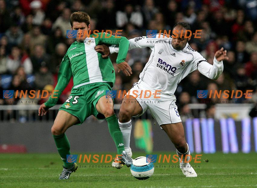 Real Madrid's Emerson against Betis' Rafael Sobis during Spain's La Liga match at Santiago Bernabeu stadium in Madrid, Saturday February 17, 2007. (INSIDE/ALTERPHOTOS/Alvaro Hernandez).