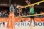 28.06.2015, Den Haag, Hofvijver Stadion<br /> World Championships / Weltmeisterschaft 2015, Vorrunde<br /> <br /> Angriff Jonathan Erdmann (#1 GER) - Block Leo Williams (#2 RSA)<br /> <br />   Foto © nordphoto / Kurth