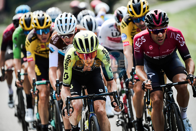 The chase group including Adam Yates (GBR) Mitchelton-Scott during Stage 5 of Criterium du Dauphine 2020, running 153.5km from Megeve to Megeve, France. 16th August 2020.<br /> Picture: ASO/Alex Broadway | Cyclefile<br /> All photos usage must carry mandatory copyright credit (© Cyclefile | ASO/Alex Broadway)