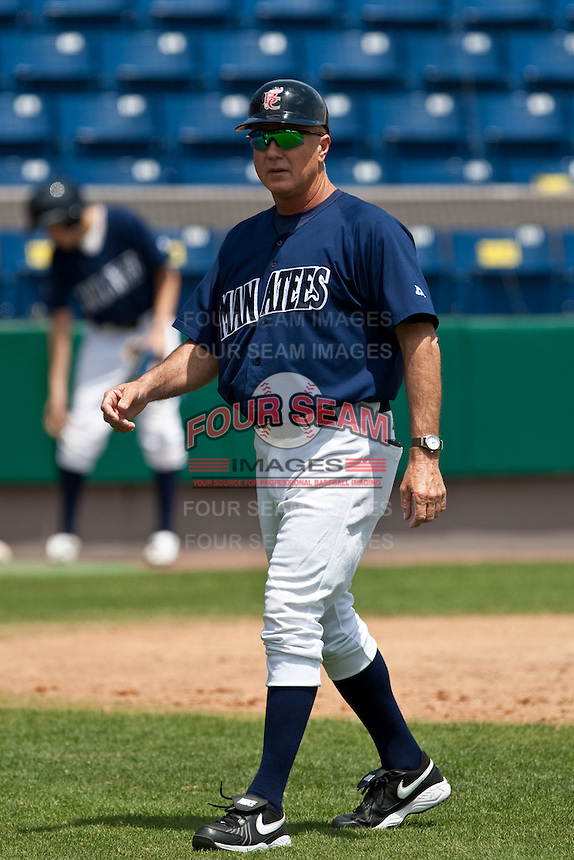 April 11th 2010: Bob Miscik manager of the Brevard County Manatees, the Florida State League High-A affiliate of the Milwaukee Brewers in a game against the of the Daytona Cubs, the Florida State League High-A affiliate of the Chicago Cubs at Space Coast Stadium in Viera, FL (Photo By Scott Jontes/Four Seam Images)