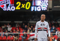 ATENCAO EDITOR IMAGEM EMBARGADA PARA VEICULOS INTERNACIONAIS -  SAO PAULO, SP, 14 OUTUBRO 2012 - CAMP. BRASILEIRO - SAO PAULO X FIGUEIRENSE - Luis Fabiano jogador do Sao Paulo durante lance de partida contra o Figueirense pela 30 rodada do Campeonato Brasileiro, no Estadio Cicero Pompeu de Toledo o Morumbi neste domingo, 14. (FOTO:   WILLIAM VOLCOV / BRAZIL PHOTO PRESS).