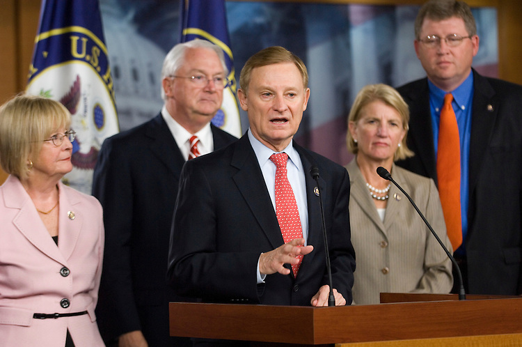 "WASHINGTON, DC - Sept. 15: House Financial Services members Rep. Judy Biggert, R-Ill., Rep. Randy Neugebauer, R-Texas, ranking member Spencer Bachus, R-Ala., Rep. Shelley Moore Capito, R-W.Va., and Rep. Frank D. Lucas, R-Okla., during a news conference on ""lessons learned one year after the government's significant interventions in the financial markets and the need for regulatory reform."" (Photo by Scott J. Ferrell/Congressional Quarterly)"