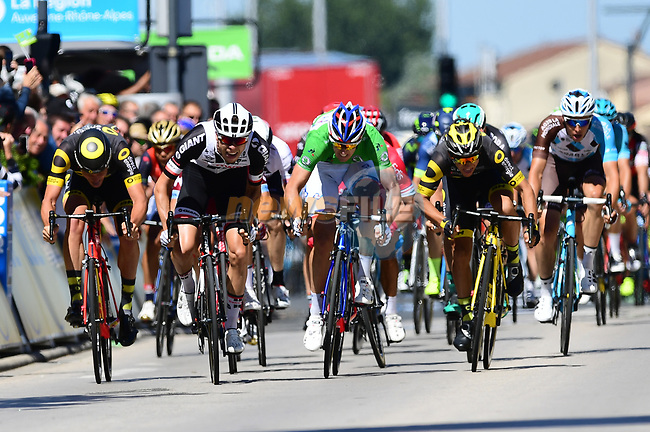 Phil Bauhaus (GER) Team Sunweb and Arnaud Demare (FRA) FDJ sprint for the finish line of Stage 5 of the Criterium du Dauphine 2017, running 175.5km from La Tour-de Salvagny to Macon, France. 8th June 2017. <br /> Picture: ASO/A.Broadway | Cyclefile<br /> <br /> <br /> All photos usage must carry mandatory copyright credit (&copy; Cyclefile | ASO/A.Broadway)