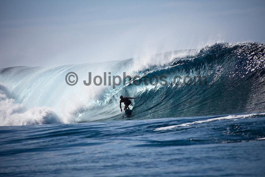 JOSH KERR (AUS) surfing at a reef pass near Teahupoo, Tahiti, (Friday May 15 2009.) Photo: joliphotos.com