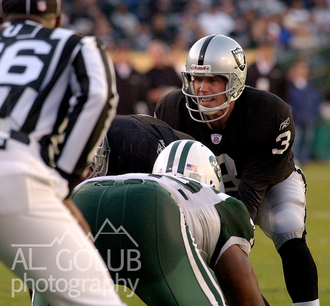 Oakland Raiders quarterback Rick Mirer (3) on Sunday, November 9, 2003, in Oakland, California. The Jets defeated the Raiders 27-24 in overtime.