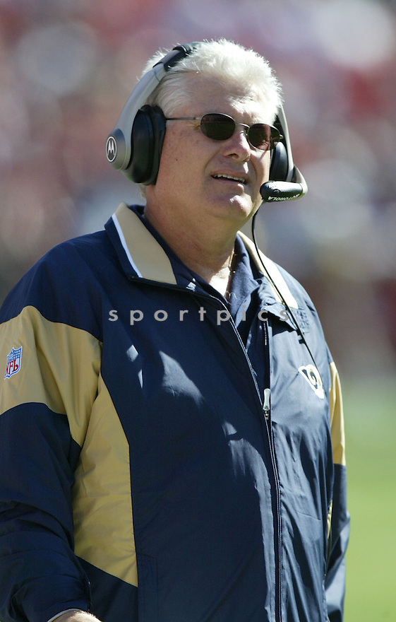 Mike Martz, of the St. Louis Rams, during thier game against the San Francisco 49ers on September 11, 2005...49ers win 28-25..Rob Holt / SportPics