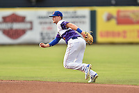 Tennessee Smokies second baseman Ian Happ (1) reacts to the ball during a game against the Mississippi Braves at Smokies Stadium on July 23, 2016 in Kodak, Tennessee. The Braves defeated the Smokies 3-0. (Tony Farlow/Four Seam Images)