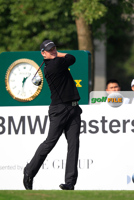 Jamie Donaldson (WAL) tees off the 10th tee during Sunday's Final Round of the 2014 BMW Masters held at Lake Malaren, Shanghai, China. 2nd November 2014.<br /> Picture: Eoin Clarke www.golffile.ie