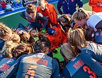 UTRECHT - teambespreking met bondscoach Alyson Annan (Ned)   tijdens   de Pro League hockeywedstrijd wedstrijd , Nederland-China (6-0) .  COPYRIGHT  KOEN SUYK