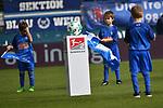 10.03.2018, Vonovia Ruhrstadion, Bochum, GER, 2.FBL., VfL Bochum vs. Holstein Kiel<br /> im Bild / picture shows: <br /> Spielball mit Einlaufkindern <br /> <br /> <br /> <br /> Foto &copy; nordphoto / Meuter