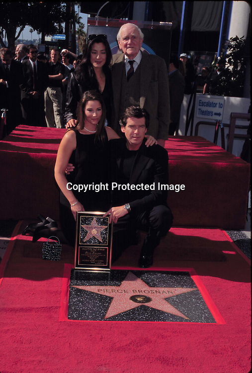 "©KATHY HUTCHINS/HUTCHINS.12/3/97 "" PIERCE BROSNAN STAR ON HOLLYWOOD WALK OF FAME "".KEELY SHAYE SMITH & DESMOND LLEWELYN & MICHELLE YEOH & PIERCE BROSNAN"