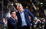 Stockholm 2014-09-11 Ishockey Hockeyallsvenskan AIK - S&ouml;dert&auml;lje SK :  <br /> AIK:s tr&auml;nare Thomas Fr&ouml;berg ser fundersam ut<br /> (Foto: Kenta J&ouml;nsson) Nyckelord:  AIK Gnaget Hockeyallsvenskan Allsvenskan Hovet Johanneshovs Isstadion S&ouml;dert&auml;lje SK SSK fundersam fundera t&auml;nka analysera depp besviken besvikelse sorg ledsen deppig nedst&auml;md uppgiven sad disappointment disappointed dejected