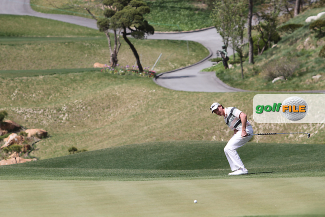 Brett Rumford (AUS) on the 13th on Day 2 of the Ballantines Championship 2012 at Blackstone Golf Course, Icheon, Korea....(Photo Jenny Matthews/www.golffile.ie)