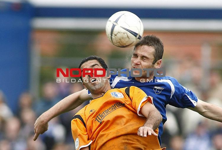 RLN 2007/2008 12. Spieltag Hinrunde<br /> BSV Kickers Emden -  1. FC Magdeburg<br /> Kais Manais (Magdeburg#10) - Jasmin Spahic (Emden#15) - dabei hat sich Spahic verletzt<br /> Foto &copy; nph (  nordphoto  )<br /> <br /> <br /> <br />  *** Local Caption ***