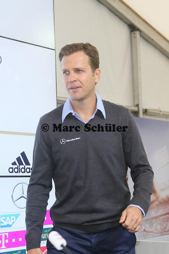 Oliver Bierhoff, - Pressekonferenz der Deutschen Nationalmannschaft  zur WM-Vorbereitung in St. Martin