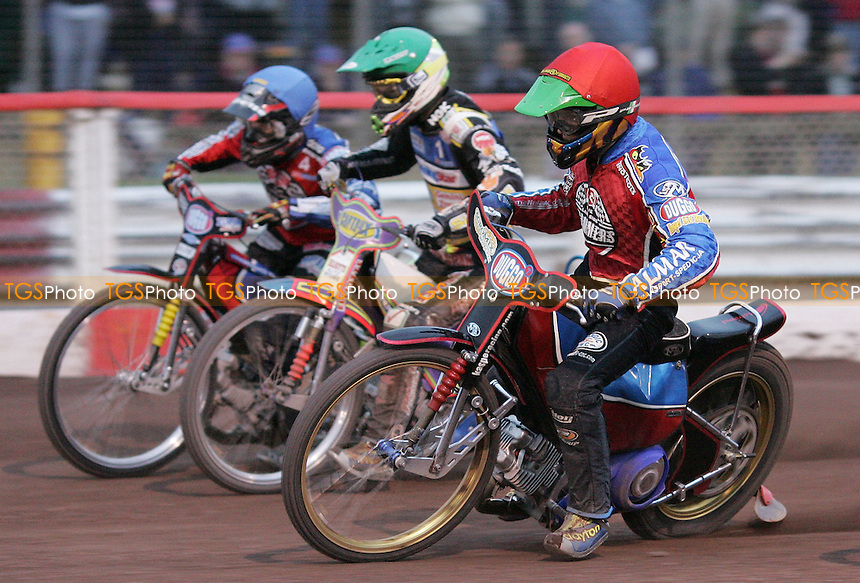 Heat 5 re-run: Kyrzysztof Kasprzak (Red), Rory Schlein (Green), Christian Hefenbrock (Blue) - Lakeside Hammers vs Ipswich Witches at The Arena Essex Raceway, Thurrock - 25/05/07 - MANDATORY CREDIT: Rob Newell/TGSPHOTO