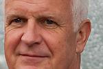 30.05.2010, Kufstein Arena, Kufstein, AUT, FIFA Worldcup Vorbereitung, Testspiel Sued Korea (KOR) vs Weissrussland (BLR), im Bild Bernd Stange (BLR) Headcoach. EXPA Pictures © 2010, PhotoCredit: EXPA/ J. Groder