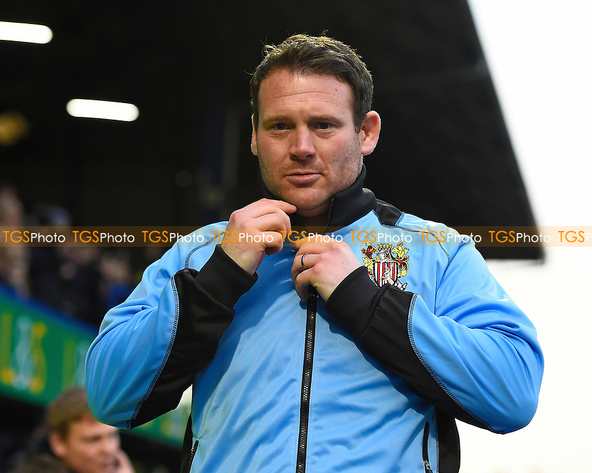 Stevenage Manager Darren Sarll during Portsmouth vs Stevenage, Sky Bet EFL League 2 Football at Fratton Park on 26th November 2016