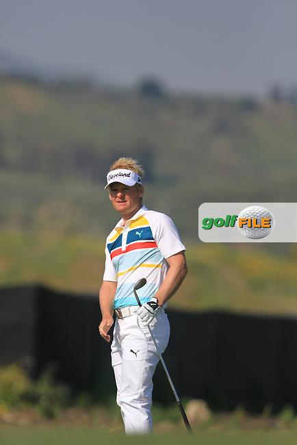 Soren Kjeldsen (DEN) on the 15th green on Day 2 of the 2012 Sicilian Open at Verdura Golf and Spa Resort, Sicily, Italy...(Photo Jenny Matthews/www.golffile.ie)
