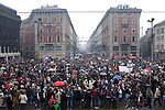 Italia, Milano, Piazza Castello con vista su via Dante, 13/02/2011, manifestazione donne, Women demonstration against Berlusconi and Rubygate