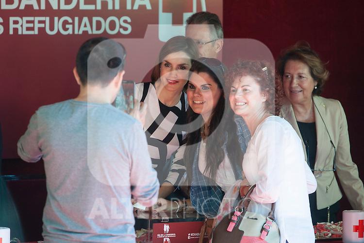Queen Letizia of Spain during the Red Cross Fundraising day event (Dia de la Banderita) in Madrid, Spain. October 02, 2015. (ALTERPHOTOS/Victor Blanco)