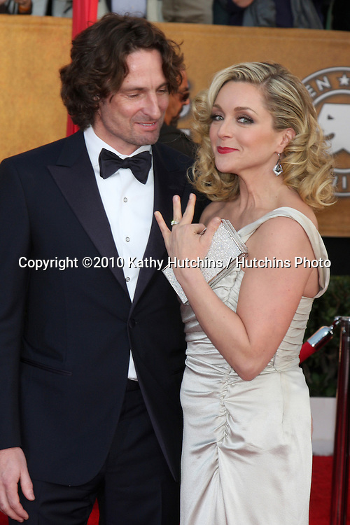 Jane Krakowski.arriving at the 2010 Screen Actor's Guild Awards.Shrine Auditorium.Los Angeles, CA.January 23, 2010.©2010 Kathy Hutchins / Hutchins Photo....