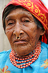 Dule | Indígenas guna / comarca de Guna Yala, Panamá.<br /> <br /> Indígena kuna con septum.