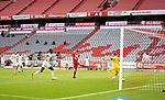23.05.2020, Allianz Arena, München, GER, 1.FBL, FC Bayern München vs Eintracht Frankfurt 23.05.2020 , <br /><br />Nur für journalistische Zwecke!<br /><br />Gemäß den Vorgaben der DFL Deutsche Fußball Liga ist es untersagt, in dem Stadion und/oder vom Spiel angefertigte Fotoaufnahmen in Form von Sequenzbildern und/oder videoähnlichen Fotostrecken zu verwerten bzw. verwerten zu lassen. <br /><br />Only for editorial use! <br /><br />DFL regulations prohibit any use of photographs as image sequences and/or quasi-video..<br />im Bild<br />Thomas Müller (München) erzielt dasTor zum 2:0 <br /> Foto: Peter Schatz/Pool/Bratic/nordphoto