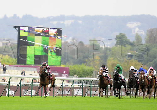 06.10.2012. Longchamps Racecourse, France.   Cirrus the Aigles Olivier Peslier  Qatar Prix Dollars Longchamp
