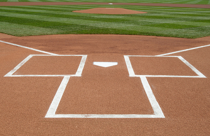 ST LOUIS - APRIL  05:   A general view perfect presentation of home plate awaits the first pitch at Busch Stadium in St. Louis, Missouri on April 5, 2008.   (Photo by Chris Bernacchi/MLB Photos via Getty Images)