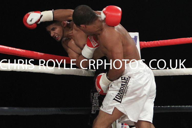 Arfan Iqbal vs John Anthony - Glow, Bluewater, Greenhithe, Kent, United Kingdom - 13th October 2012 - Hennessy Sports