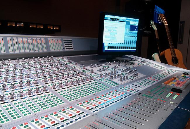 Console, Recording Studio