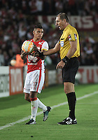 BOGOTA- COLOMBIA – 18-03-2015: Nestor Pitana, arbitro de Argentina, durante partido entre Independiente Santa Fe de Colombia y Atletico Mineiro de Brasil, por la segunda fase, grupo 1, de la Copa Bridgestone Libertadores en el estadio Nemesio Camacho El Campin, de la ciudad de Bogota.  / Nestor Pitana, Argentine, referee during a match between Independiente Santa Fe of Colombia and Atletico Mineiro of Brasil for the second phase, group 1, of the Copa Bridgestone Libertadores in the Nemesio Camacho El Campin in Bogota city. Photo: VizzorImage / Luis Ramirez / Staff.