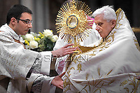 Vesper prayers Benedict XVI for the Presentation of the Lord feast at St Peter's Basilica Feb 2,2012