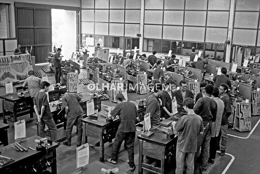 Alunos de Escola Tecnica do Senai. Araxa. Minas Gerais. 1992. Foto de Juca Martins.