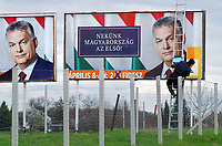 UNGARN, 01.04.2018, Hollad (korrekt: Holl&aacute;d). Das Land wird von Fidesz mit Viktor-Orb&aacute;n-Wahlplakaten zugeklebt: &quot;Fuer uns steht Ungarn an erster Stelle&quot;. Parlamentswahlen am 8. April. | Fidesz covers the country with Viktor Orban billboards: &quot;For us Hungary comes first&quot;. Parliamentary elections on April 8.<br /> &copy; Martin Fejer/estost.net