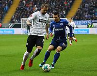 Marco Russ (Eintracht Frankfurt) gegen Yevhen Konoplyanka (FC Schalke 04) - 16.12.2017: Eintracht Frankfurt vs. FC Schalke 04, Commerzbank Arena, 17. Spieltag Bundesliga