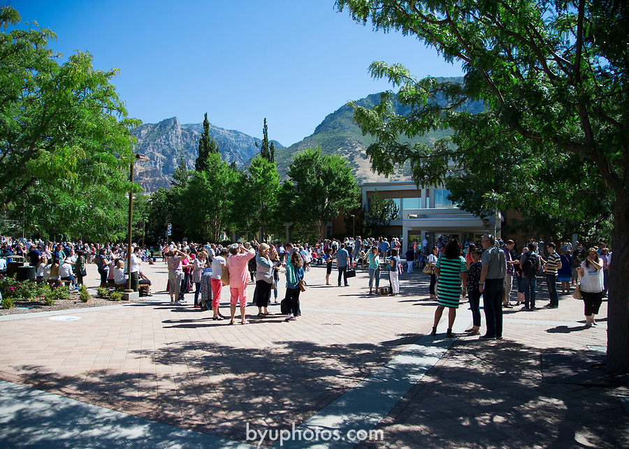 1708-56 144<br /> 1708-56 Solar Eclipse on Campus<br /> <br /> Solar Eclipse on Campus<br /> <br /> <br /> August 21, 2017<br /> <br /> Photography by Madeline Mortensen/BYU<br /> <br /> &copy; BYU PHOTO 2011<br /> All Rights Reserved<br /> photo@byu.edu  (801)422-7322