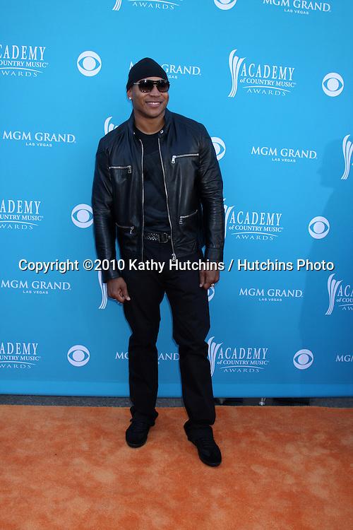 LL Cool J.at the Academy Of Country Music Awards 2010.MGM Grand Arena.Las Vegas, NV.April 18, 2010.©2010 Kathy Hutchins / Hutchins Photo....