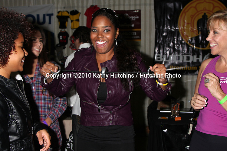 LOS ANGELES - NOV 20:  Shar Jackson, Forbes Riley at the Connected's Celebrity Gift Suite celebrating the 2010 American Music Awards at Ben Kitay Studios on November 20, 2010 in Los Angeles, CA