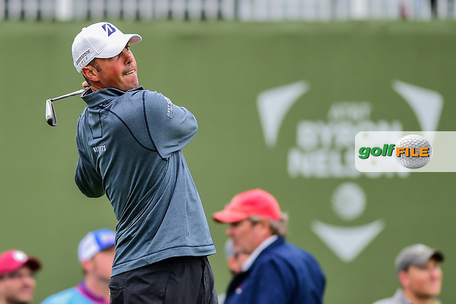 Matt Kuchar (USA) watches his tee shot on 17 during the round 1 of  the AT&amp;T Byron Nelson, TPC Four Seasons, Irving, Texas, USA. 5/19/2016.<br /> Picture: Golffile | Ken Murray<br /> <br /> <br /> All photo usage must carry mandatory copyright credit (&copy; Golffile | Ken Murray)