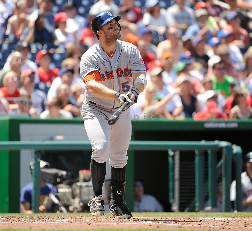 DAVID WRIGHT, of the New York Mets in action during the Mets game against the Washington Nationals on July 31, 2011 at Nationals Park in Washington, DC. The Nationals beat the Mets 3-2.