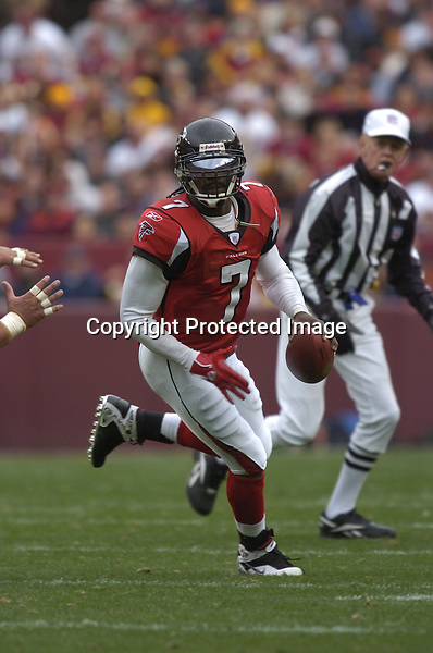 3 December 2006:  Falcons QB Michael Vick (7) scrambles..The Atlanta Falcons defeated the Washington Redskins 24-14 at FedEx Field in Landover, MD.