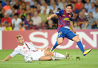 FUSSBALL   CHAMPIONS LEAGUE   SAISON 2011/2012   GRUPPE  H 13.09.2011 FC Barcelona - AC Mailand  Ignazio Abate (li, AC Mailand) gegen Lionel Messi (re, Barca)