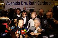 SÃO PAULO, SP, 05.04.2018: DORIA-FHC - O prefeito João Doria (PSDB) e o ex-presidente Fernando Henrique Cardoso, inauguram na manhã desta quinta-feira (05), a Avenida Dra. Ruth Cardoso, antiga Avenida Hungria. O evento acontece no Clube A Hebraica em Pinheiros. (Foto: Fábio Vieira/FotoRua)