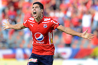 MEDELLÍN -COLOMBIA-05-06-2016. Mauricio Molina jugador del Medellín celebra un gol anotado a Cali durante el encuentro de vuelta entre Independiente Medellín y Deportivo Cali por los cuadrangulares finales de la Liga Águila I 2016 jugado en el estadio Atanasio Girardot de la ciudad de Medellín./ Mauricio Molina player of Medellin celebrates a goal scored to Cali during the second leg match between Independiente Medellin and Deportivo Cali for the finals quadrangular of the Aguila League I 2016 at Atanasio Girardot stadium in Medellin city. Photo: VizzorImage/ León Monsalve /Str