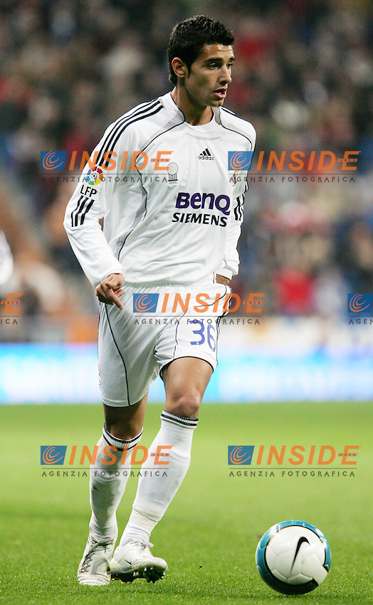 Real Madrid's Miguel Nieto during Spain's La Liga match at Santiago Bernabeu stadium in Madrid, Sunday February 04, 2007. (INSIDE/ALTERPHOTOS/Alvaro Hernandez).