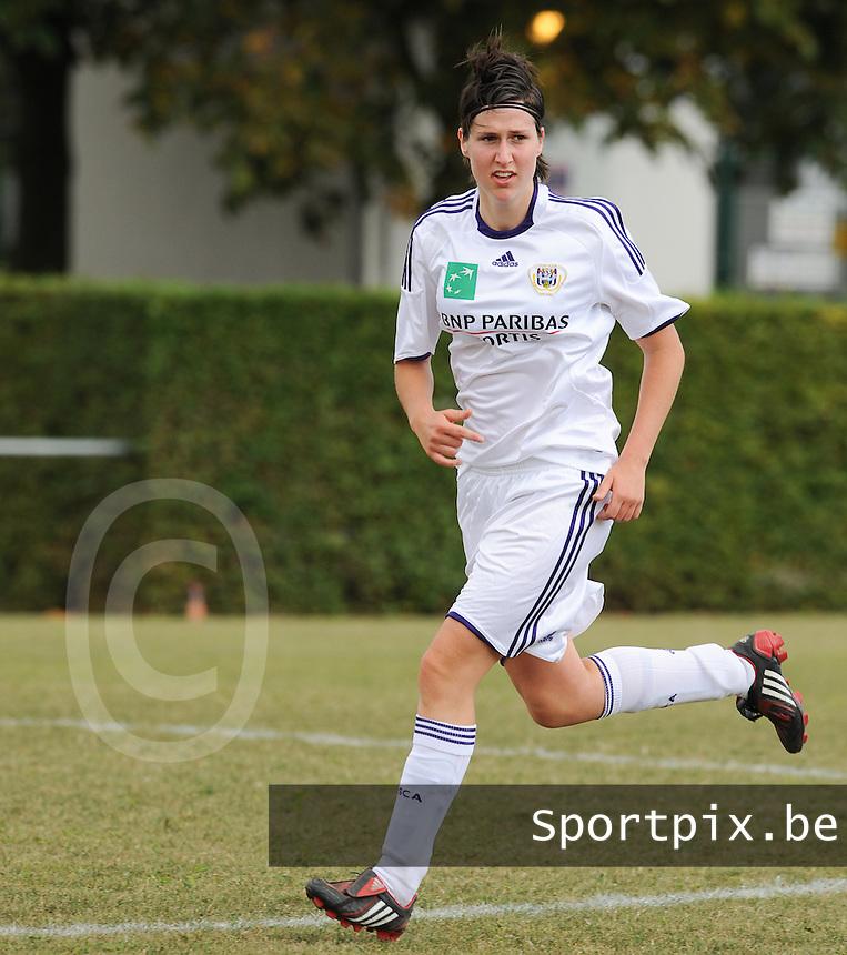 RSC Anderlecht : Elien De Jaeger.foto DAVID CATRY / Vrouwenteam.be