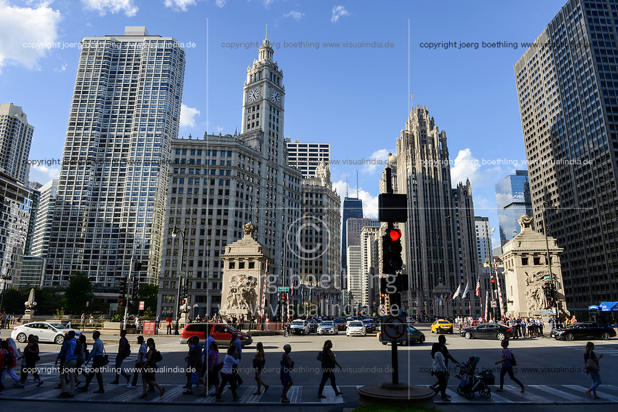 USA Chicago, city center, downtown,  Magnificent Mile, Wrigley Building with clocktower, built 1921-24, headquarter of chewing gum company Wrigley and Chicago Tribune Tower